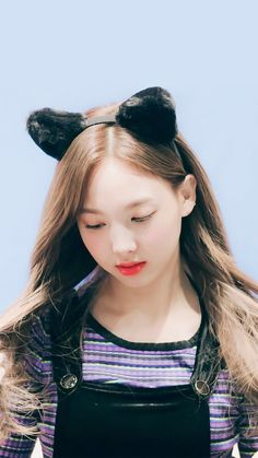 Kookies & Aliens Im Nayeon Kpop Girl Groups, Korean Girl Groups, Kpop Girls, Twice Jyp, Twice Once, K Pop Idol, Warner Music, Nayeon Twice, Im Nayeon