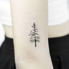 Minimalistic Tree. Tattoo artist: Stella Luø