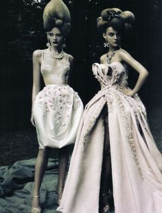 """ ""a dream of a dress"" by paolo roversi in vogue italia 2009 """