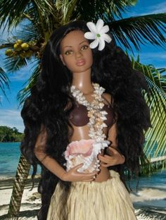 """Vahiné - 2014 Tonner Doll Category: 22"""" American Models  AA basic doll. Just Beautiful"""