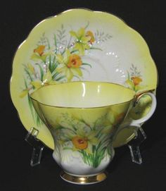 Vintage Royal Albert Yellow Daffodil Tea Cup and Saucer! WONDERFUL Cheery Daffodils Herald the Coming of Spring in this Beautiful set by Royal Albert. In the Lyric Style of Royal Albert! Tea Cup Set, My Cup Of Tea, Cup And Saucer Set, Tea Cup Saucer, Tea Sets, China Cups And Saucers, Teapots And Cups, China Tea Cups, Teacups