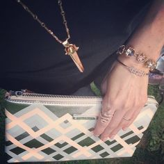#tuesdaytrend Metallics + Pastels - easy to mix in with our Geo Chevron Clutch - loving this alone or tossed into my Avalon Blush Perf Tote #metallic #pastel #fashion #style #stylist #rosegold #bag #clutch #stelladotstyle