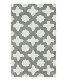 Bold and eye-catching, this rug is the perfect piece to use as an accent piece in harmony with existing décor. Whether the living room needs a new look or the den could use an update, this rug will flatter any floor.