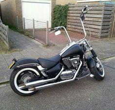 Suzuki Intruder VL1500 on Facebook