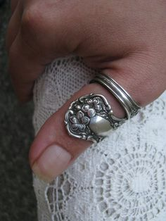 some bitch stole my spoon ring, one of a kind. adsfjkhasdf. i miss it.