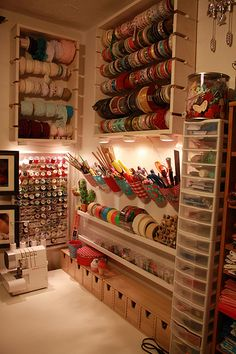 Ideas for simple craft storage sewing rooms Sewing Room Organization, Craft Room Storage, Craft Rooms, Organization Ideas, Storage Ideas, Wall Storage, Pegboard Storage, Storage Boxes, Pegboard Craft Room