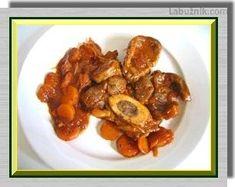 Recept: Osso bucco v pomalém hrnci na Labužník. Bucky, Beef, Food, Meal, Meat, Essen, Meals, Yemek, Eten