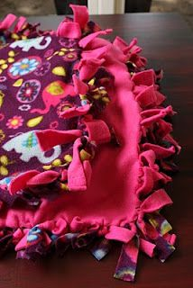 No Sew Knot Blanket Tutorial