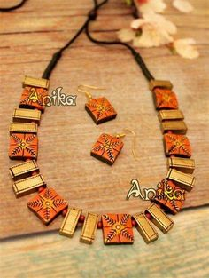 Jewerly box paper crafts ideas for 2019 Terracotta Jewellery Online, Terracotta Jewellery Designs, Ceramic Jewelry, Polymer Clay Jewelry, Funky Jewelry, Handmade Jewelry, Teracotta Jewellery, Terracotta Earrings, Bead Jewellery