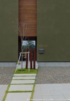 ヴィンテージ調の無垢と白壁の家 | 新潟で建築家とつくる注文住宅|adhouse(アドハウス) Japanese Interior Design, White Interior Design, Interior And Exterior, Steel Building Homes, Building A House, Residential Architecture, Architecture Design, Facade Design, House Design