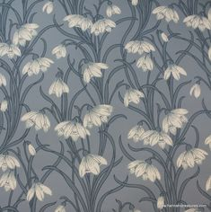 1920's Vintage Wallpaper Stunning White floral on blue background