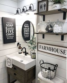 If you are looking for Farmhouse Bathroom Decor Ideas, You come to the right place. Here are the Farmhouse Bathroom Decor Ideas. Rustic Bathroom Decor, Diy Bedroom Decor, Bathroom Ideas, Parisian Bathroom, Bathroom Designs, Bathroom Inspiration, Nursery Decor, Simple Bathroom, Wall Decor