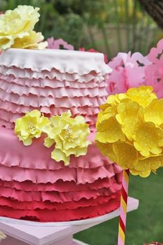 Gorgeous ombre ruffle cake at a Vintage rag doll party #ombrerufflecake