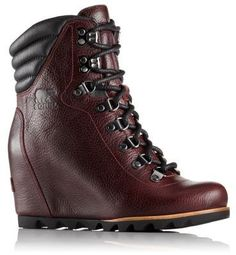 The SOREL Women's Conquest Wedge Lux is a beautifully designed ankle boot in lux waterproof full-grain leather with hiker inspired laces and a comfy fit. Shop now