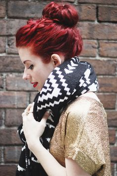 i just love her hair color.. so pretty...
