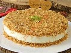 Crispy Outside, Crispy Inside, A Delicious Dessert: Muhallebili Kadayıf Cake - Kuchen Rezepte Turkish Recipes, Mexican Food Recipes, Candy Recipes, Sweet Recipes, Köstliche Desserts, Dessert Recipes, Pizzelle Recipe, Custard Cake, Love Eat