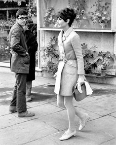 Audrey Hepburn photographed by Elio Sorci leaving a flower shop onPiazza di Spagnain Rome, Italy, January 27, 1969. Audrey Hepburn, Favorite Person, Actresses, Coat, Style, Fashion, Female Actresses, Swag, Moda