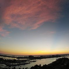 Good morning #clearwaterbeach. #hyattclearwater #florida #nofilter #sunrise