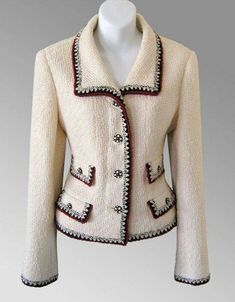 Authentic Chanel Jacket at prices up to off Retail. Chanel Outfit, Chanel Fashion, Boucle Jacket, Tweed Jacket, Chanel Style Jacket, Chanel Jacket Trims, Couture Sewing, Mode Vintage, Vintage Outfits