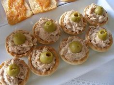Tarteletas de atun faciles-Atıştırmalık tarifler - Las recetas más prácticas y fáciles Finger Food Appetizers, Best Appetizers, Finger Foods, Appetizer Recipes, Baby Food Recipes, Cooking Recipes, Brunch, Snacks Für Party, Appetisers