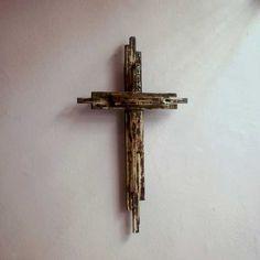 ξύλινος διακοσμητικός σταυρός
