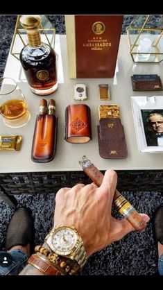Smoking is a hobby that is enjoyed by many people, regardless of gender, age, and social status. Cigars are usually associated to power and wealth. Cigar Humidor, Cigar Bar, Cigars And Whiskey, Pipes And Cigars, Cigar Accessories, Cigar Room, Cigar Smoking, Mens Fashion, Fashion Fall