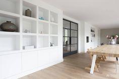 Kastenwand built in bookcase cabinet living room Modern Interior, Interior Design, Built In Bookcase, Dining Room Design, Home Living Room, Built Ins, Interior Inspiration, Family Room, New Homes