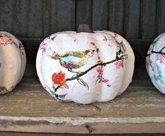 Mod Podge pumpkins made with guest napkins Autumn Decorating, Pumpkin Decorating, Fall Decor, Seasonal Decor, Fall Pumpkins, Halloween Pumpkins, Halloween Crafts, Halloween Ideas, Diy Pumpkin