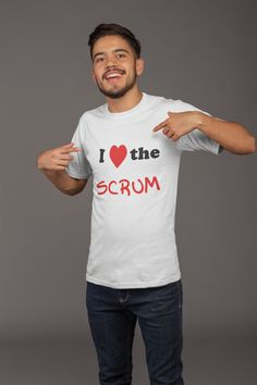 Rugby Scrum tackle ruck T-Shirt & Geschenk T Shirt Designs, Rugby, Drinking Shirts, Jersey Shorts, Party Shirts, S Shirt, New T, Short Sleeve Tee, Funny Shirts