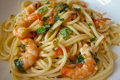 Spaghetti aux crevettes à l'ail