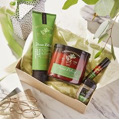 Boost your mood with our Aromatherapy skincare collection at Bath & Body Works. Essential Oils For Skin, Eucalyptus Essential Oil, Stress Relief Gifts, Bath And Body Works Perfume, Bath And Bodyworks, Perfume Collection, Smell Good, Beauty Make Up, Body Lotion