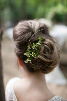Forest inspired wedding hair: http://www.stylemepretty.com/new-jersey-weddings/south-jersey/2014/08/08/southern-new-jersey-enchanted-woodland-wedding-inspiration/ | Photography: Bri Morse - http://www.brimorseimagery.com/