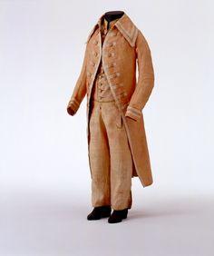 3-piece boy's suit, France, c. 1790. Salmon linen, silk ribbon.