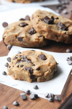 Healthy Chocolate Chip Cookies, 6-ingredients turn into gooey moist chocolate chip cookies that are a skinny chocolate chip cookie.(Gluten Free, Vegan)
