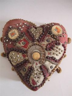 I didn't know where to put this, but I just HAD to pin it! LOOK at it -- it's probably old and handmade by a WWI soldier (probably)! Valentine Heart, Valentines, Vintage Sewing Notions, Crocodile Stitch, Sewing Accessories, Heart Art, Couture, Pin Cushions, Needle Felting