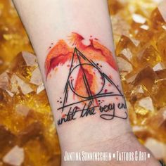 """""""Until the very end"""". Meine liebsten Wesen aus Harry Potter sind Th… Fawkes 🖤. """"Until the very end"""". My dearest creatures from Harry Potter are Thestrals and the water people 🤗. Tattoo Son, Phönix Tattoo, Body Art Tattoos, New Tattoos, Tatoos, Friend Tattoos, Arrow Tattoos, Tattoo Small, Tattoo Flash"""