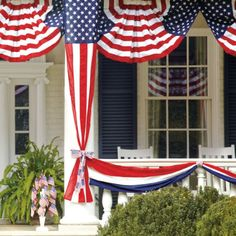 50 star pull down - Grandin Road. I want to get all festive for the Fourth Of July Decor, 4th Of July Decorations, July 4th, 4th Of July Wreath, Halloween Decorations, Outdoor Decorations, Patriotic Bunting, Patriotic Party, Patriotic Crafts