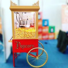 Os nossos carrinhos de pipocas cheios de estilo! E que saborosas que as pipocas são. Doces ou salgadas?  #popcorn #car #concept4talents #4talents #talent #tudoépossivel #portugal #eventos #eventagency #eventplanner #corporateevents  INSTAGRAM @4talents - FACEBOOK @4talents - LINKEDIN @concept4talents #eventprofsuk #eventprofs #meetingplanner #meetingplanner #meetingprofs #inspiration #popular #trending #eventplanning #eventdesign #eventplanners #eventdecor #eventstyling #micefx #meeting…
