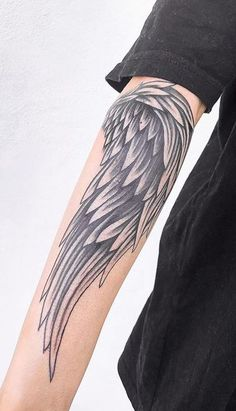 we have collected 100 angel wings tattoos with different designs on different body parts for you to choose the perfect design for your next ink. Chest Tattoo Wings, Wing Tattoo Men, Wing Tattoo Designs, Piercing Tattoo, I Tattoo, Piercings, Bird Wings, Angel Wings, Ange Demon
