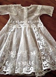 robe dentelle via Autrefois