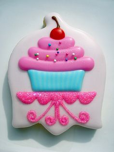 Cupcake cookie using upside down tulip cutter