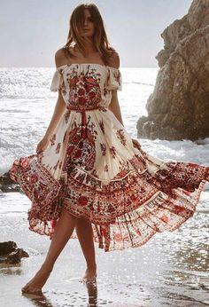 Boho Outfits, Fashion Outfits, Bohemian Outfit, Bohemian Style Clothing, Bohemian Dresses, Dress Fashion, Bohemian Flowers, Fashion Clothes, Dress Clothes