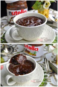 """Só nós sabemos o quanto amamos nutella. Mas não somos só nós não! 99% dos seres humanos vivos amam nutella. E nós, inclusos nessa porcentagem. Por conta disso, nós estamos sempre em busca de receitinhas deliciosas com nosso amado idolatrado creme de chocolate com avelã. Aí que outro dia, passeando pelo Google, dei de cara com esta receita que dizia assim: """"4 Ingredient Nutella Mug Cake"""""""