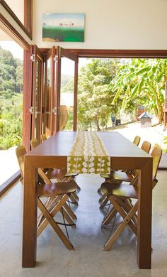 Bifold glass door to open up dining room to the outside—yes, please!