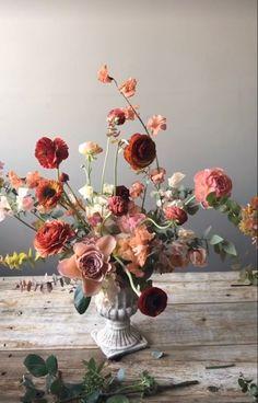 Floral Centrepiece   Toast Event Design