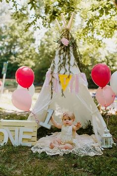 1st Birthday Photoshoot, 1st Birthday Themes, 1st Birthday Cake Smash, 1st Birthday Banners, Baby Girl 1st Birthday, Birthday Ideas, Birthday Girl Pictures, First Birthday Photos, Smash Cake Girl