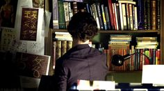 A list of the books visible in The Blind Banker. Apparently it is now canon that Doctor Who and Sherlock inhabit the same dimension. And Buffy, whose comic had a cameo by 10 & Rose. Go figure. :D
