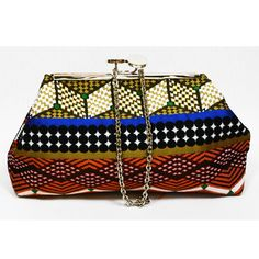 A clutch, hand made with an exclusive fabric that can't miss in your wardrobe. It'll give a different look to your outfit Textiles, Barcelona, Outfit, Fabric, Handmade, Crafts, Bags, Fashion, Textile Jewelry