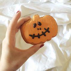 """ Happy Halloween  •  Feliz dia das bruxas  #melinorlando #melindisney #tosonhando #halloween #diadasbruxas"""