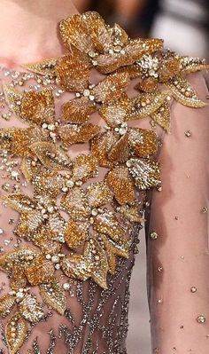Georges Hobeika F/W 2016 couture Fashion Moda, Gypsy Fashion, Couture Fashion, Punk Fashion, Lolita Fashion, Couture Details, Fashion Details, Fashion Design, Couture Embroidery